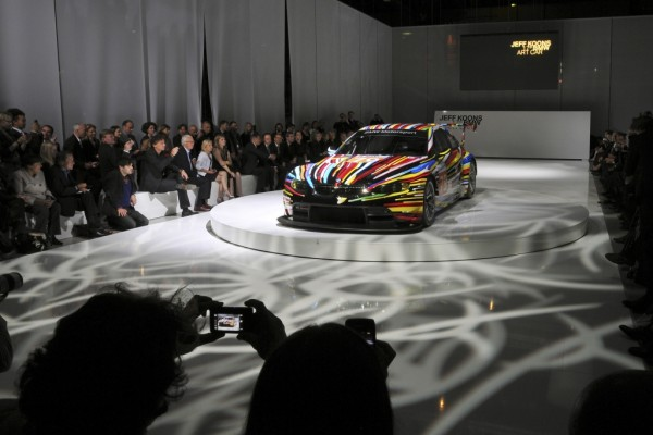 In Paris enthüllt: Jeff Koons' BMW M 3 GT2 Art Car für Le Mans
