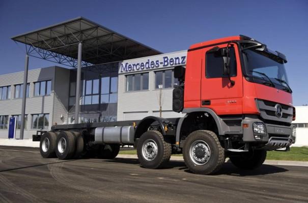 Individuelle Lkw-Lösungen:  Mercedes-Benz Trucks investiert im Elsass