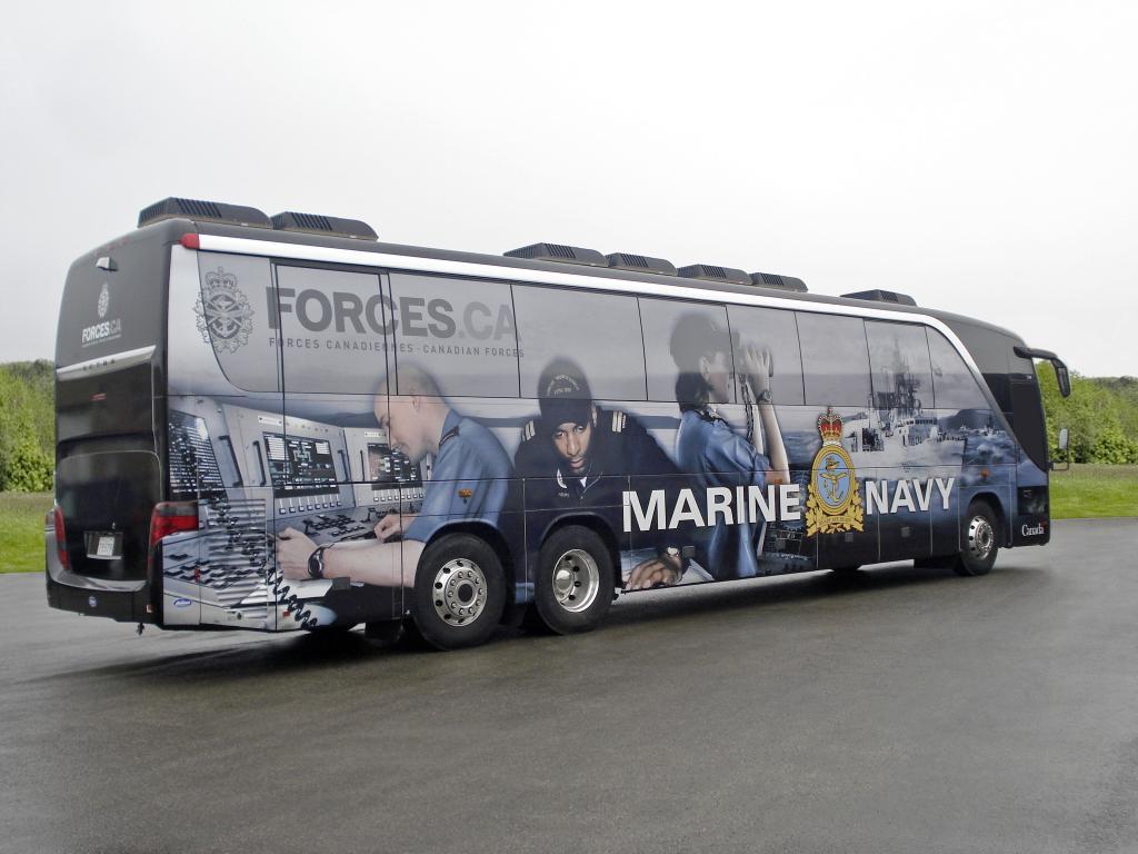 Kanadische Marine rekrutiert Nachwuchs mit drei Setra Topclass S 417
