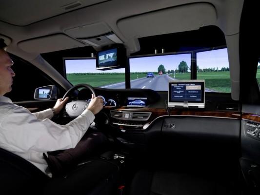MBtech stellt Simulator für Assistenzsysteme vor