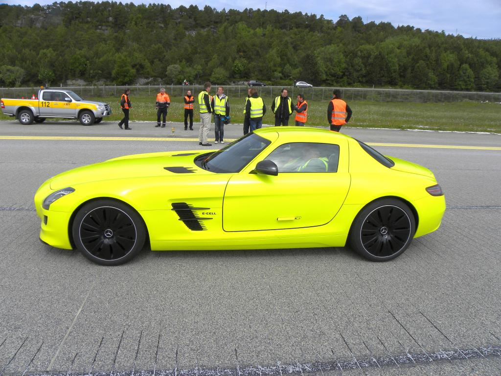 Mercedes-Benz SLS AMG E-Cell.