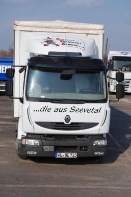 Renault Trucks Deutschland will Eisbildung auf LKW Planen verhindern
