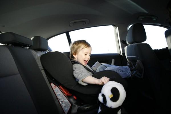 Statistik: 42 Prozent aller Kinder im Auto falsch gesichert