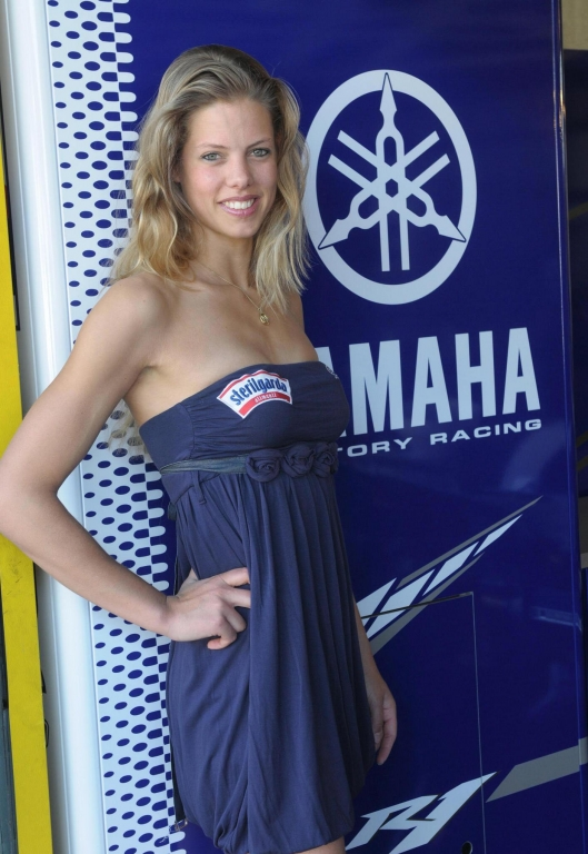 "Yamaha World Superbike Team sucht ""Miss Yamaha Racing 2010"""