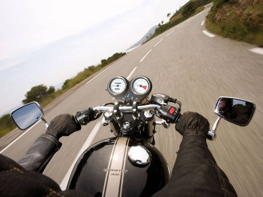 ''Die schönsten Motorrad-Touren'': TourBooks fürs Biken und Baden