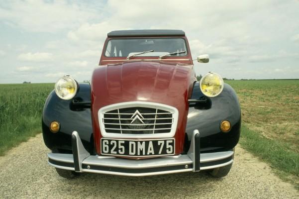Rudi Mentär und seine Citroën: Warten auf Petrus