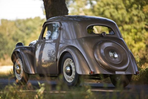 Škoda zeigt historischen Prototypen auf Schloss Dyck