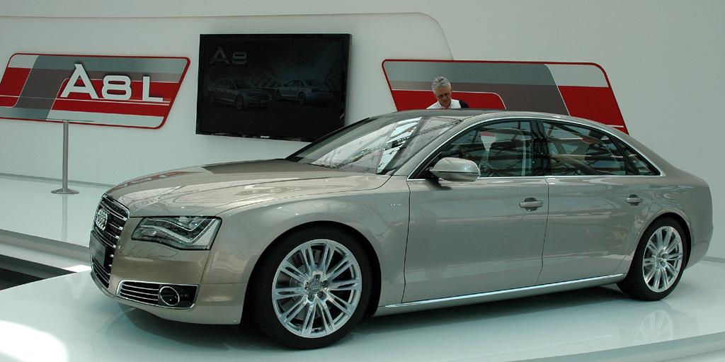 Audi A8 lang: Die Strech- ist 13 Zentimeter länger als die Normalversion.