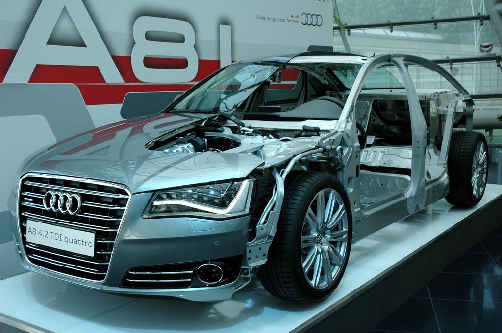 Audi A8 lang: Schnittmodell bei der Präsentation.
