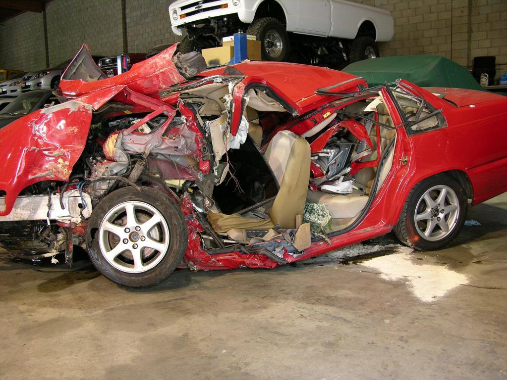 Aus diesem Volvo S70 befreiten Sicherheitskräfte Marcus Mendoza. Er hat überlebt.