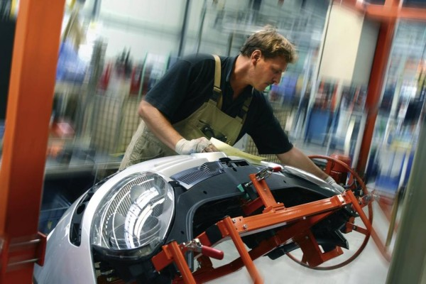 Automechanika 2010: Vom Ersatzteil bis zum LED-Dachbalken