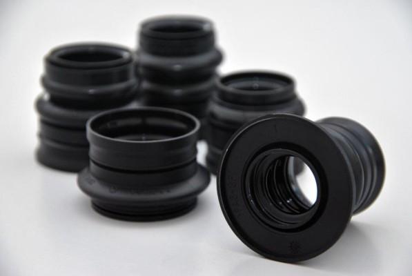 Conti-Tech entwirft als erster Hersteller Kardanwellenmanschette mit Spritzschutz