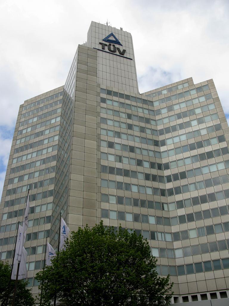 Der TÜV Rheinland, hier am Sitz in Köln, überprüft die Innenräume verschiedener Ford-Modelle auf deren mögliche Allergierisiken hin.
