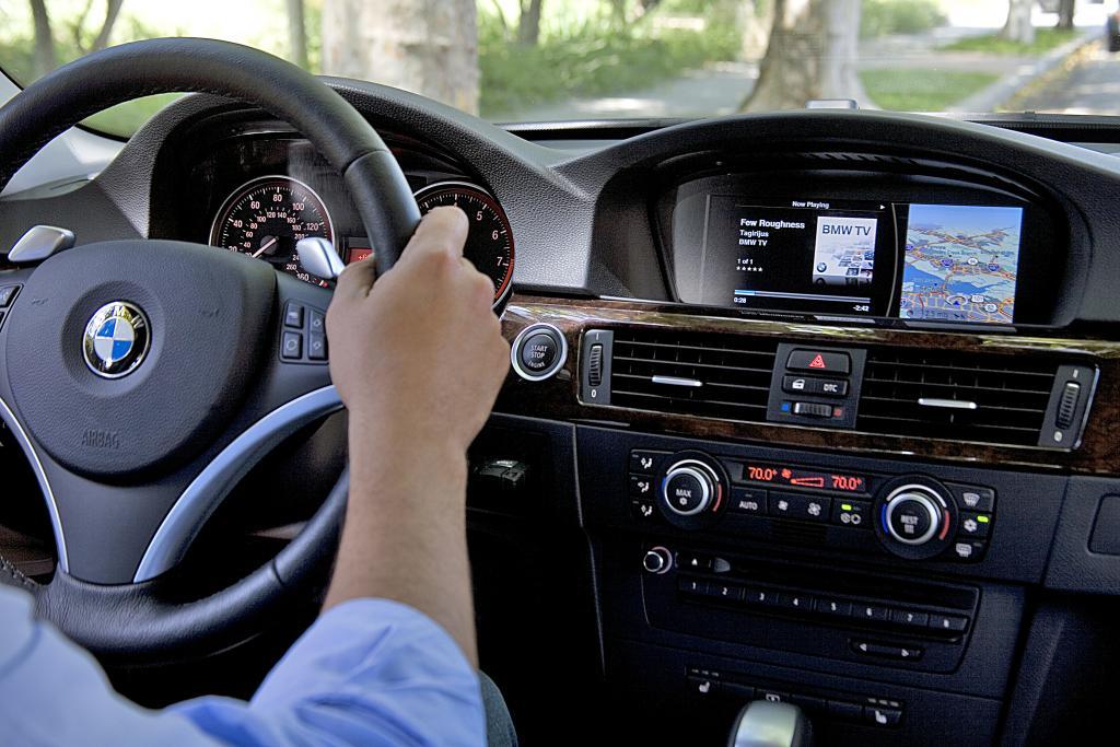 Die BMW Group kündigt den Support der neuen iPod Out Funktion für iPhone und iPod touch an.