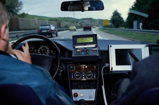 Elektronischer Kreuzungsassistent zur Vermeidung von Unfällen