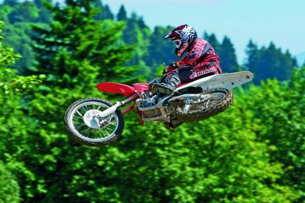 Erneute Modellpflege für Hondas Motocrosser