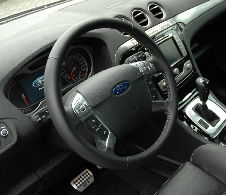 Ford S-Max Ecoboost: Blick ins Cockpit.