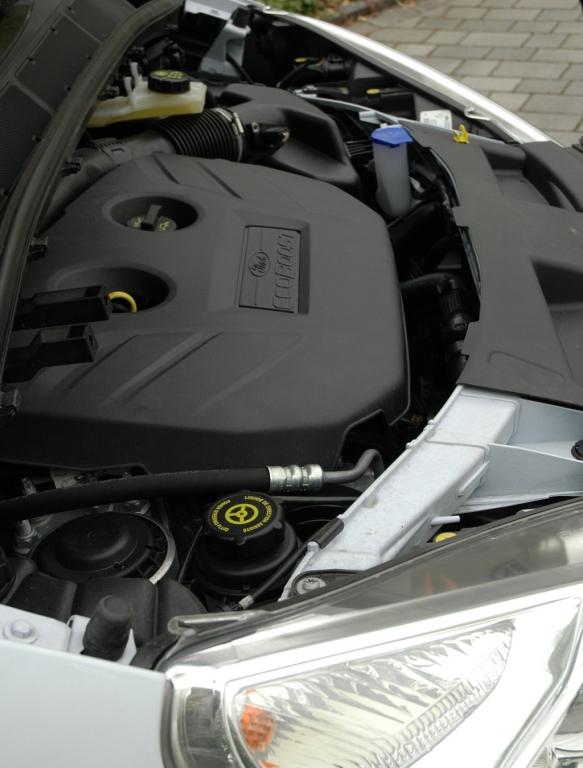 Ford S-Max Ecoboost: Der Vierzylinder steht beim Verbrauch mit 8,1 Litern im Datenblatt.