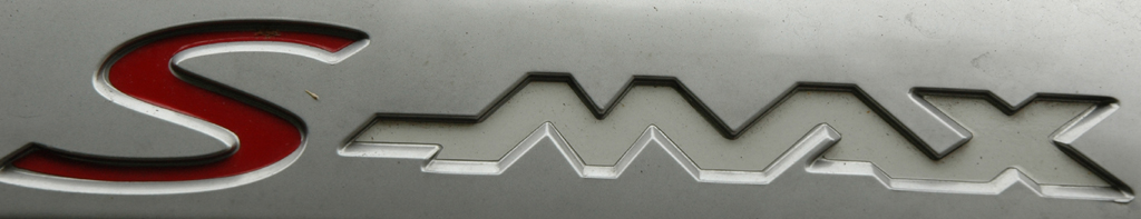 Ford S-Max Ecoboost: Modellschriftzug am Heck.