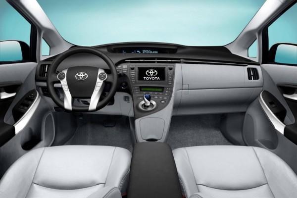 Head-up-Display beim Toyota Prius bringt mehr Sicherheit