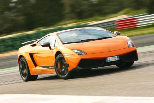 Lamborghini errichtet ein Forschungszentrum für Kohlefaser-Technologie