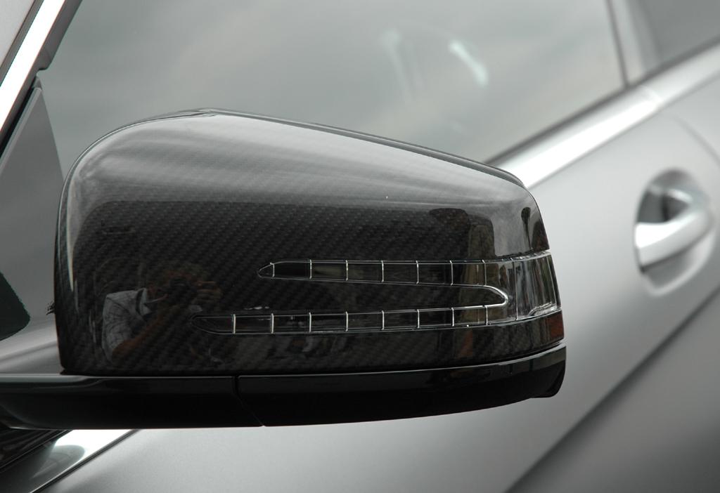 Mercedes CL 63 AMG: Blick auf den Außenspiegel auf der Fahrerseite.