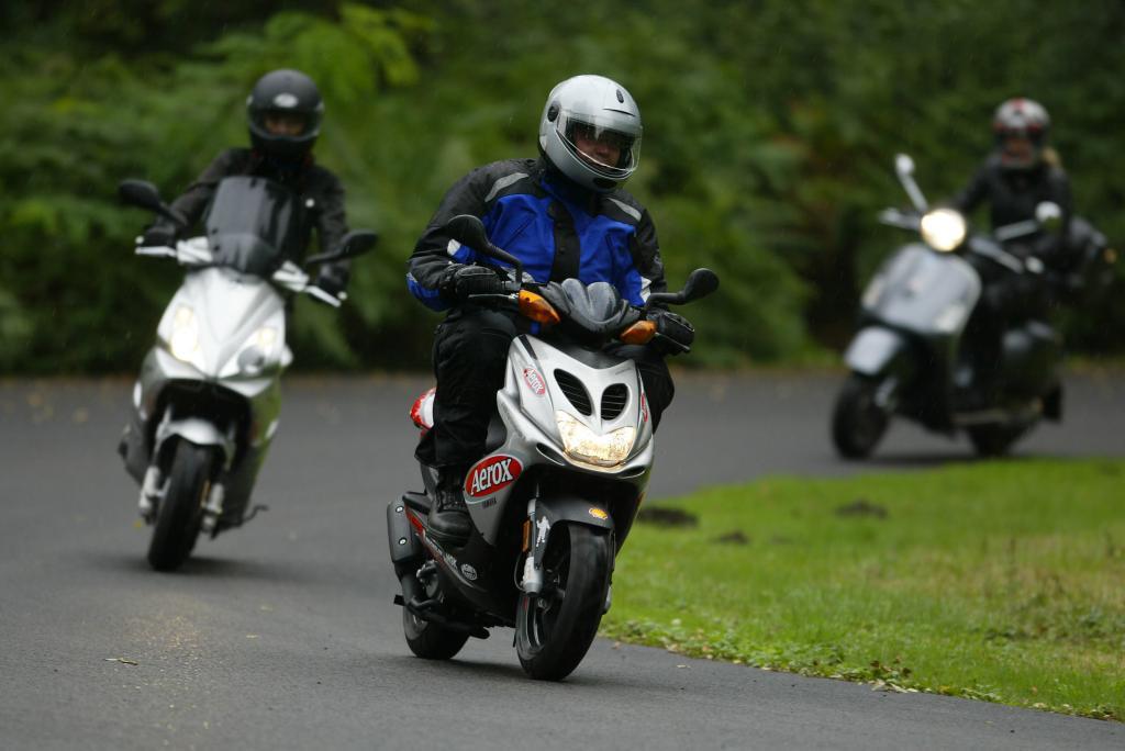 Moped-Führerschein mit 15 Jahren: Pro und Contra