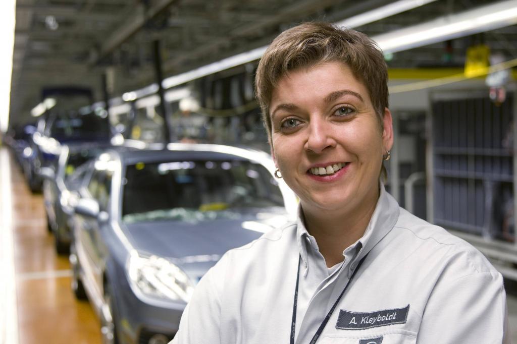 Opel-Werk Kaiserslautern mit Werkschefin