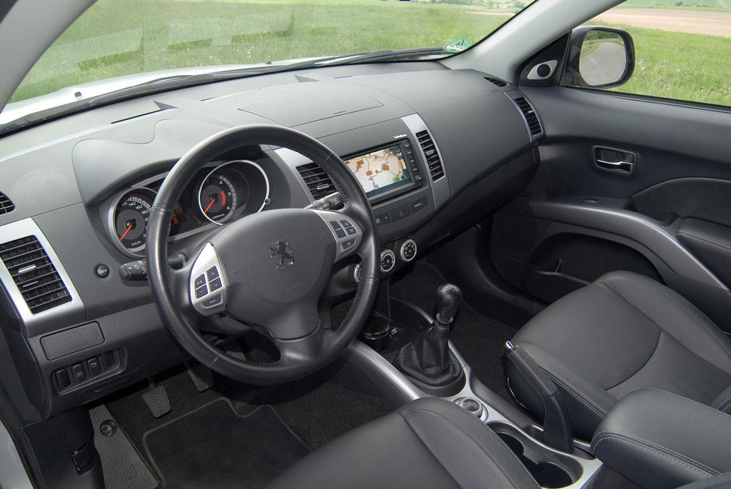 Peugeot 4007.