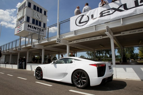 Pressepräsentation Lexus LFA: Der Lexus-Renner