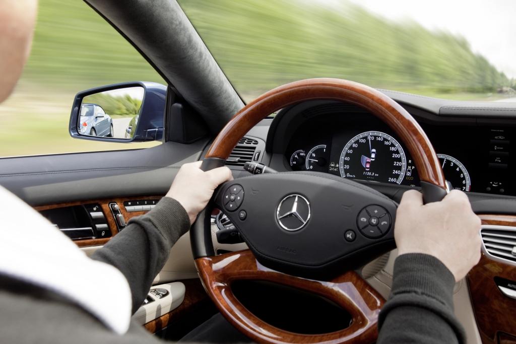 Pressepräsentation: Neue Fahrer-Assistenzsysteme von Mercedes