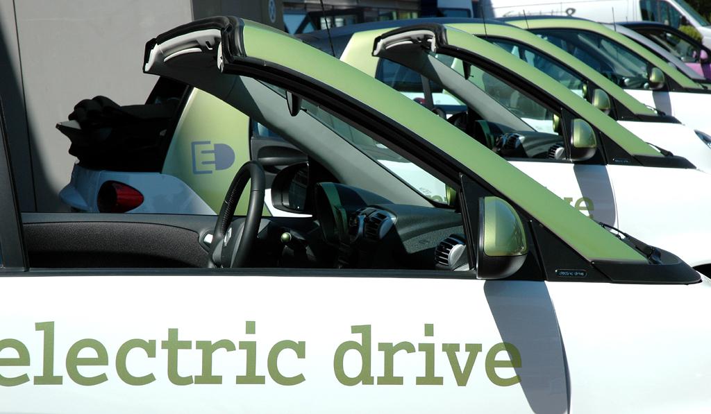 Smart Fortwo: Der Zweisitzer wird in Kleinstserie auch schon als Elektroversion produziert.