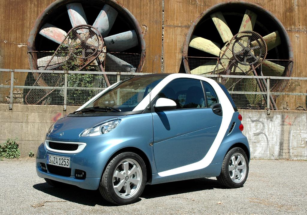 Smart Fortwo: Die Neuauflage fährt mit Änderungen außen und innen vor.