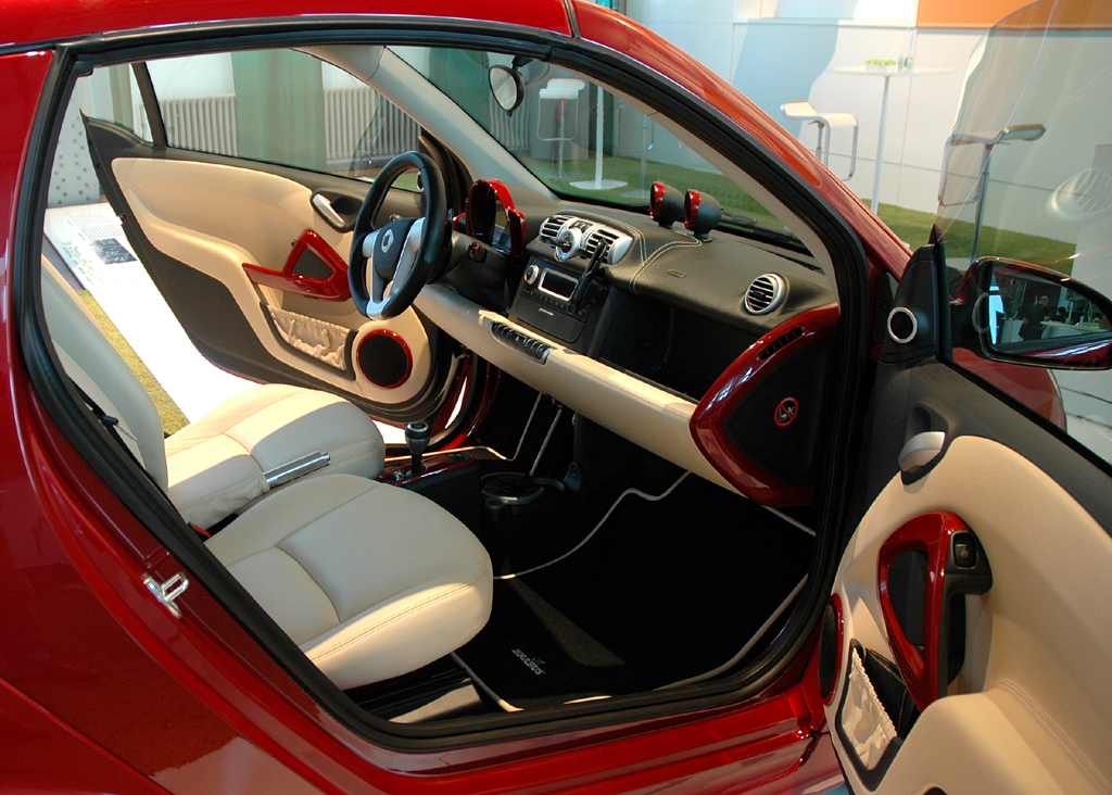 Smart Fortwo: Veredelter Innenraum des Brabus-Cabrio-Sondermodells