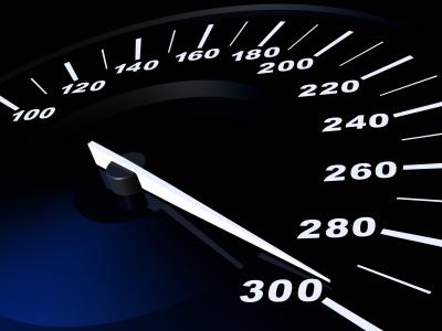 Urteil: Keine erhöhte Geldbuße statt Fahrverbot bei gravierendem Verkehrsverstoß