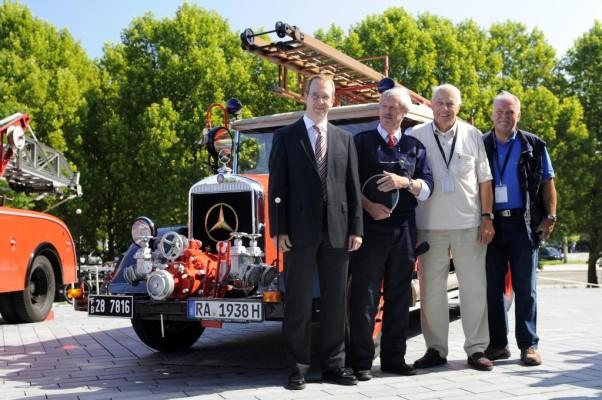 ''Woche der Helfer'' mit Treffen historischer Feuerwehrfahrzeuge