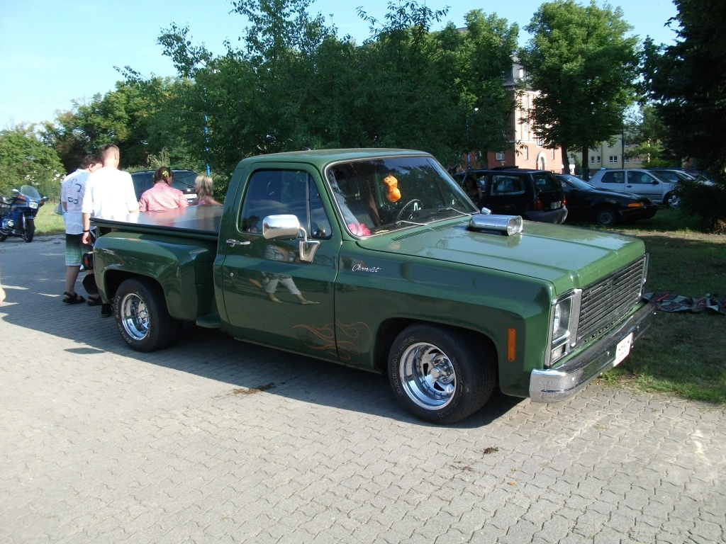 Amerikanische Automobilkultur bei Gas, Grease & Glory in Berlin. Chevrolet Pickup