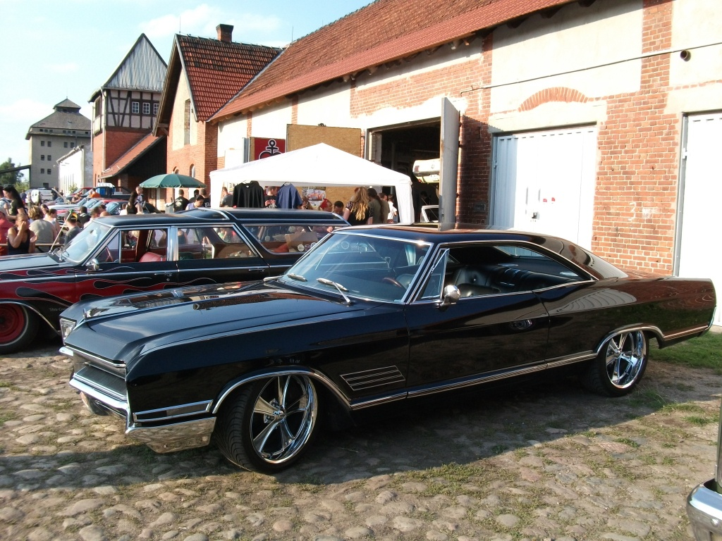Amerikanische Automobilkultur bei Gas, Grease & Glory in Berlin.Buick Wildcat