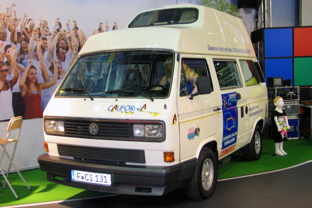 Auf Zeitreise geht es in Halle 10: Dort gibt es einen Ausstellung über die 80er-Jahre.