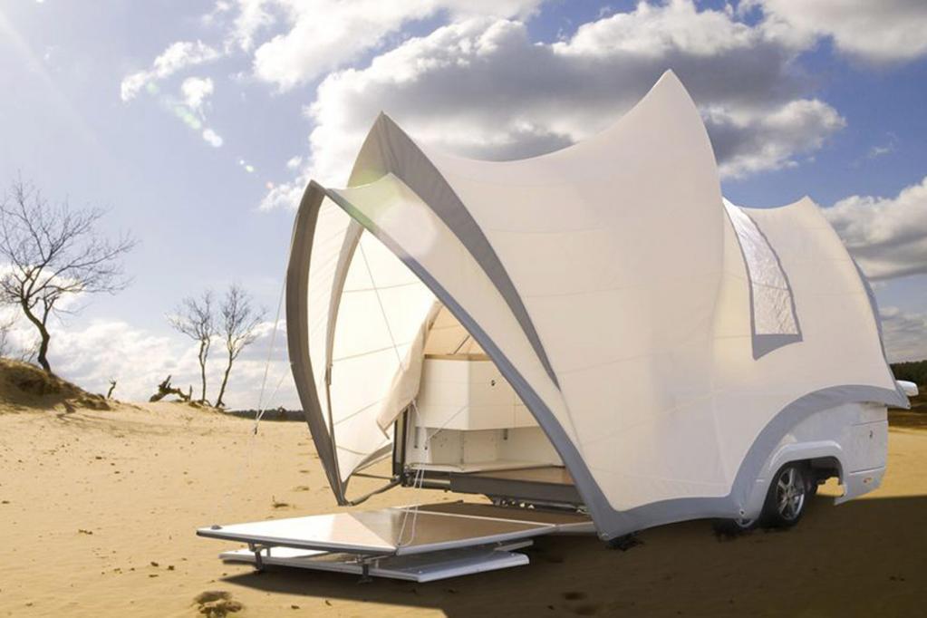 Aus den Niederlanden stammt der Opera, ein Faltcaravan mit üppigen Dimensionen.