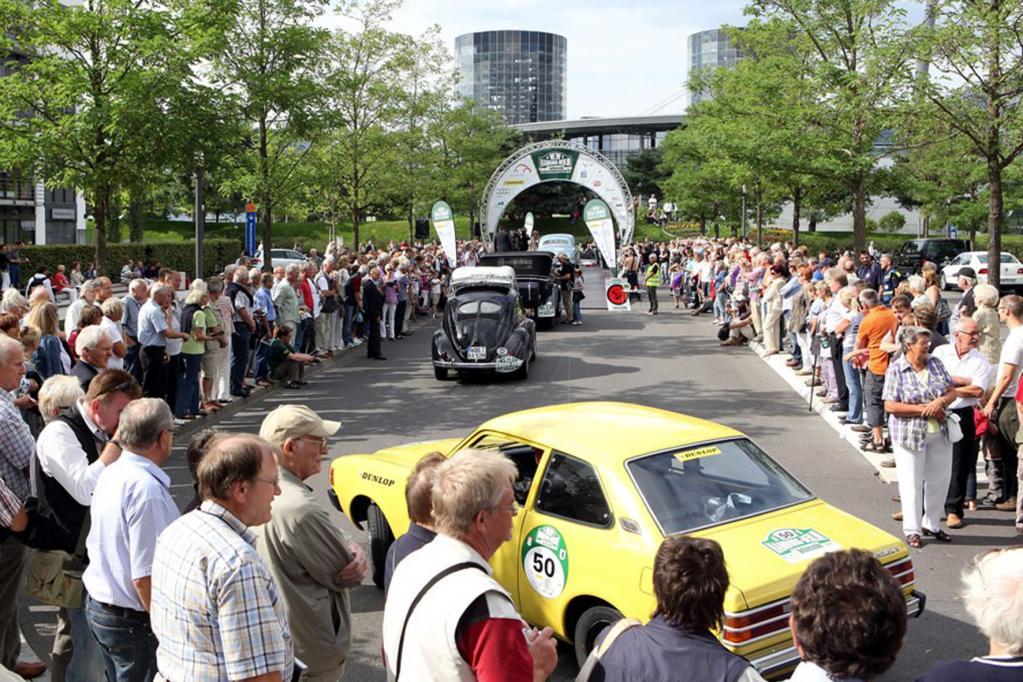 Bei der Rallye Hamburg-Berlin-Klassik sind in diesem Jahr 180 Teilnehmer an den Start