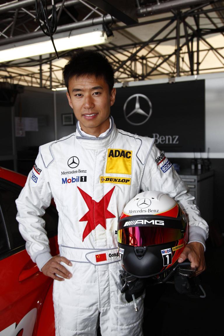 DTM 2010: Chinese CongFu Cheng vertraut auf Schuberth