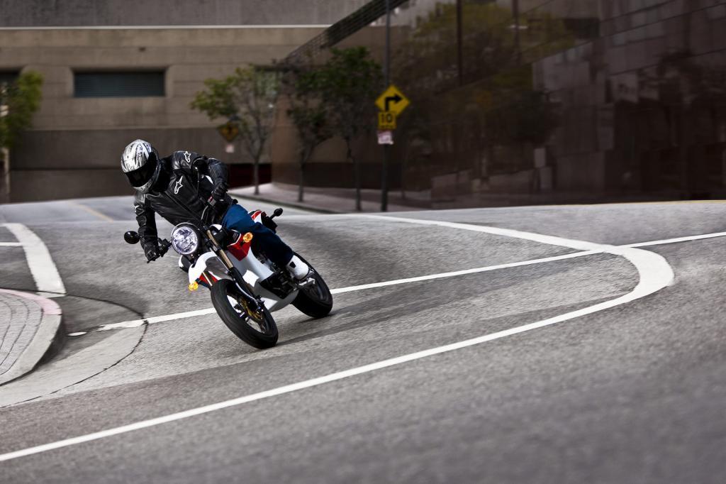 Das amerikanische Unternehmen Zero Motorcycles hat seine Elektromotorrad-Palette gründlich überarbeitet.