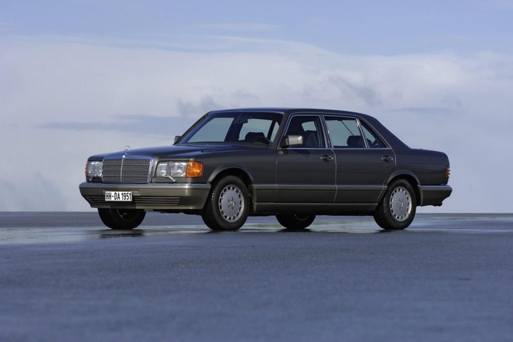 Der Airbag debütierte in der Mercedes S-Klasse der Baureihe W 126.