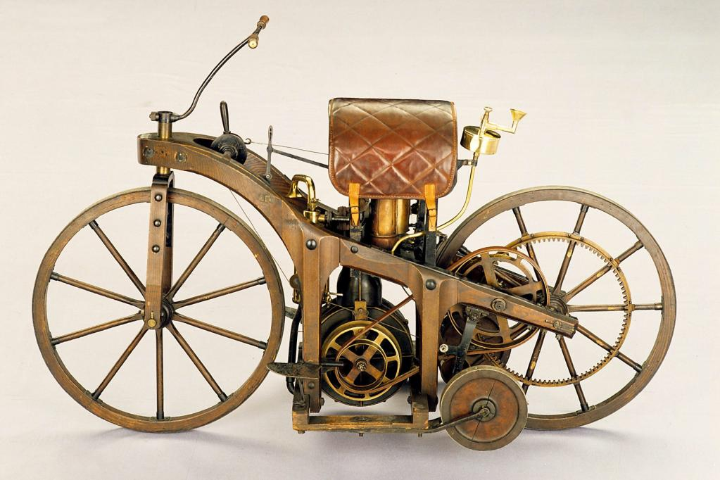 Der Reitwagen ist der Urahn aller Motorräder.