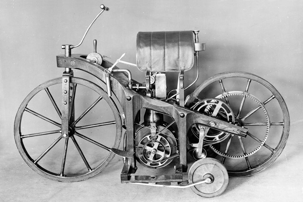 Der Reitwagen wurde von einem Einzylinder-Triebwerk mit 0,5 PS angetrieben.