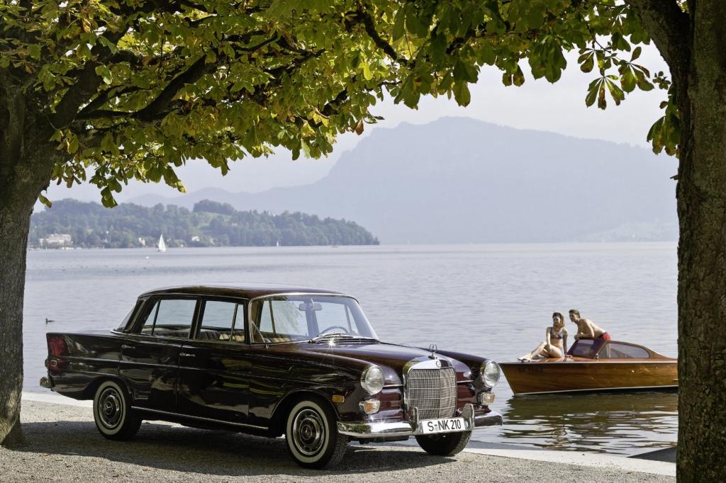 Die Heckflossen-Model schwappte in den 50ern über den großen Teich und erreichte auch Mercedes.