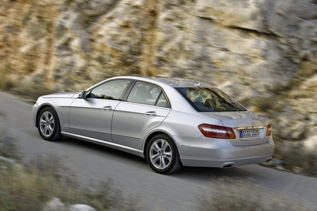 Die Mercedes-Benz E-Klasse besitzt ein Umweltzertifikat, das nur eine geringe Öko-Belastung garantiert.