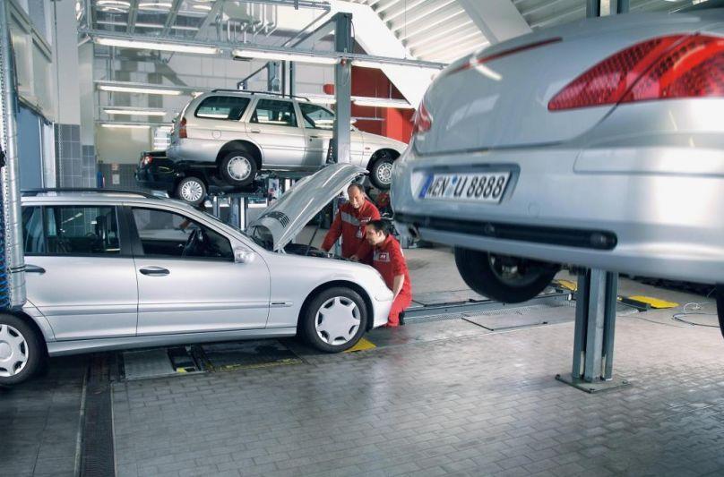 Die Werkstatt kann manches Hochwasser-Auto noch retten