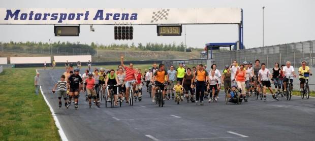 Familiensporttag mit Radrennen in der Motorsport-Arena